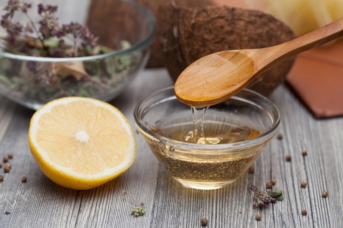 Utiliser l'huile de ricin pour cheveux