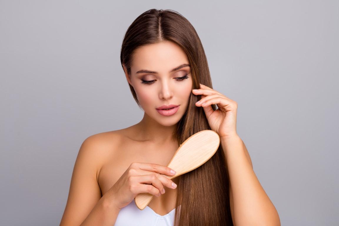 brosse lissante pour lisser ses cheveux naturellement