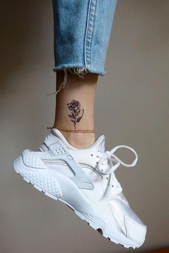 tatouage fleur rose
